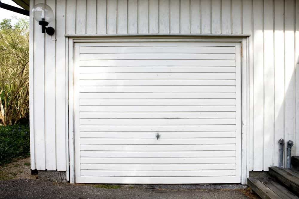 Broken Garage Door Springs: 3 Warnings to Watch for